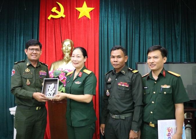 Quan Khu 7 Online Bộ Tư Lệnh Quan Khu 4 Quan đội Hoang Gia Campuchia Thăm Va Lam Việc Tại Bảo Tang Llvt Miền đong Nam Bộ